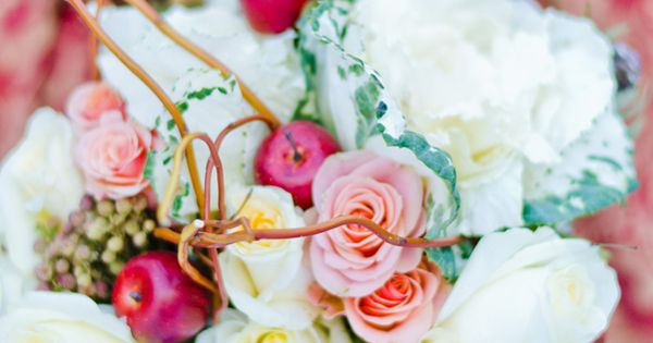 Snow White inspired wedding ideas from Spokane area wedding photographer, Mary Banducci Photography.