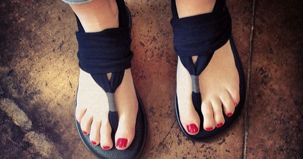 Sanuk Sandals made of yoga mats via Exclusively Chic!!!! I