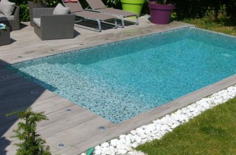 Photos d coration de piscine rectangulaire 6 x 3 m plage for Plage piscine carrelage