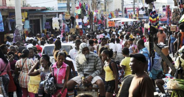 A Large Crowd On Beckford Street Downtown Kingston Searching For Bargains During The Annual Christmas Shop Till You Dro Kingston Jamaica Large Crowd Jamaica
