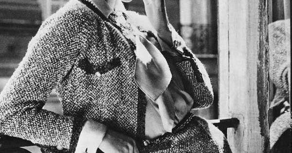 Vintage Chanel 1950s chanel CelebrateSparkle vintagechanel cocochanel www.lachanelphile.com