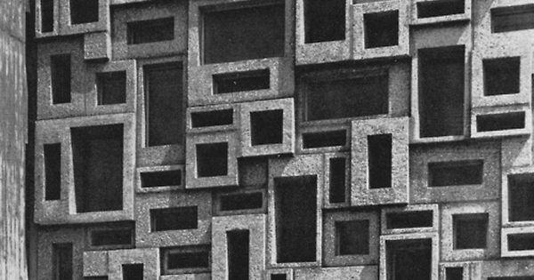 Glazed Cinder Blocks : Wall in glazed precast concrete blocks of the protestant