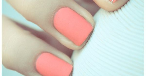 Pretty Matt Coral Pink Nails for Spring and Summer with Striped Accent