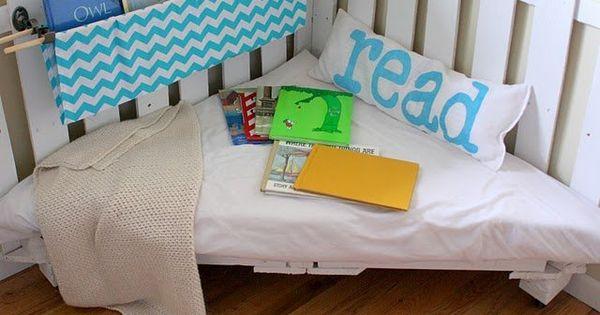 Diy sitzecke aus paletten f rs kinderzimmer for Kinderzimmergestaltung junge