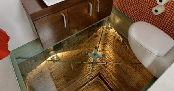 Humorous Structural Glass : The world s scariest bathroom it has a clear floor and
