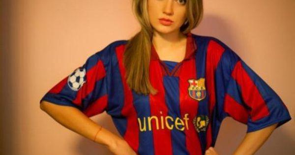 صور مشجعات برشلونه جميلات برشلونه صور بنات برشلونه احلى بنات البرشا صور برشلونة حبيبي برشلوني Football Girls Sporty Girls Beauty Clothes
