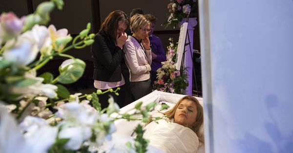 Brittany Murphy Open Casket Related Keywords - Brittany ...