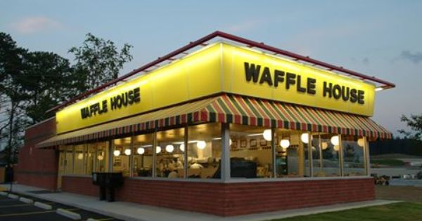 24 7 Wafflehouse If You Sit Next To Grill You Get A Free Hibachi Grill Those Grill Masters At Waffle House Move Quick Waffle House Waffles House Restaurant