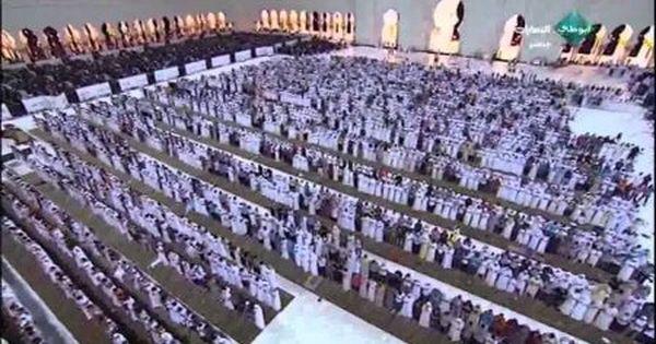 دعاء الشيخ إدريس أبكر ليلة 27 رمضان 1435 ابكى ألاف المصلين والجموع التى حضرت مسجد الشيخ زايد City Photo City Photo