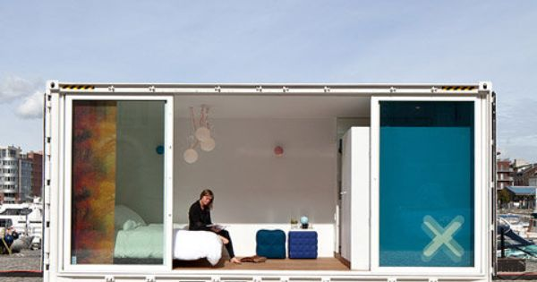 Container hotel in belgium modern shipping container for Hotel moderne belgique