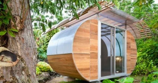 gartenh user aus holz sch nes und kompaktes gartenhaus im hinterhof gartenh user aus holz. Black Bedroom Furniture Sets. Home Design Ideas