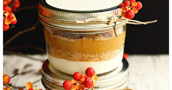 Layered Pumpkin Pie in a Jar, great for Fall gifts! seems cool