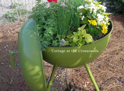 13 Planter Ideas for Your Container Garden @CraftBits & CraftGossip planter gardening