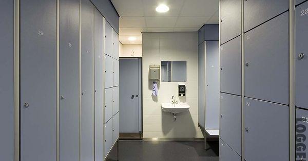 Kleedkamer garderobekast afmetingen hoogte 1800 mm excl sokkel van 100 - Ouderlijke doucheruimte kleedkamer volgende ...