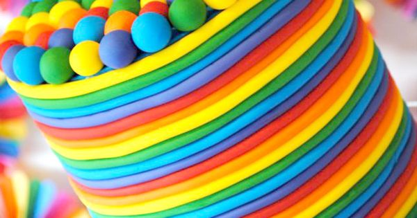 Kids rainbow birthday cake. Check out these other kids birthday party ideas