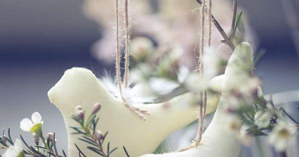 E a s t e r white birds