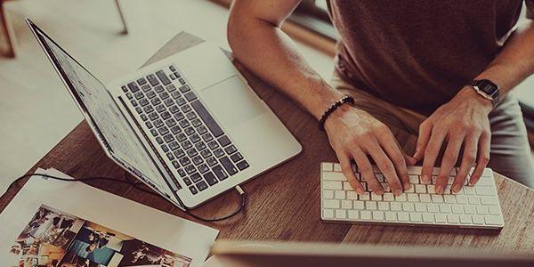 ماهي طرق و انواع التسويق الالكتروني Digital Marketing Marketing Courses Marketing Concept