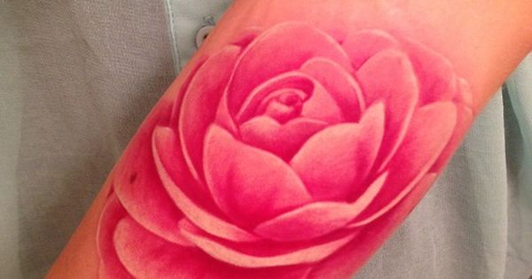 HOME » TATTOOS » 12 Ultra-beautiful No Line Tattoos for Women 51