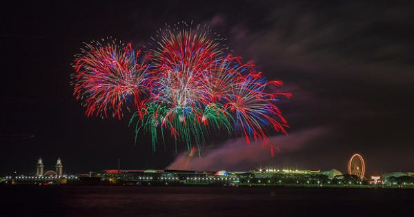 memorial day fireworks jacksonville beach fl