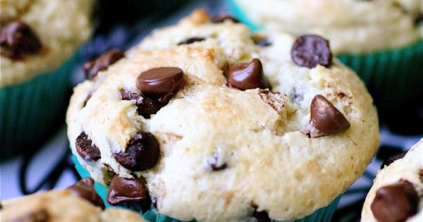 Chocolate Chip Sour Cream Muffins - I've never made plain chocolate chip