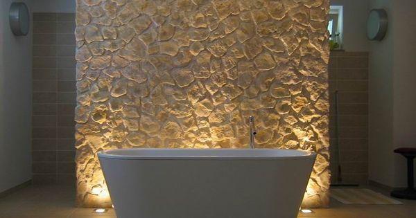 Granit Ruckwand Dusche : Badezimmer mit Badewanne und Rückwand aus ...