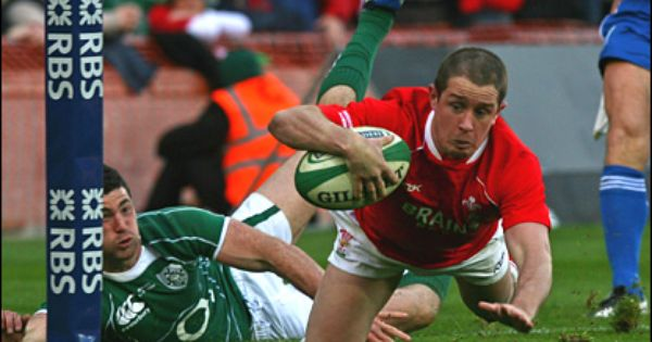 Shane Williams Welsh Rugby And Ambassador For Proper Welsh Milk Welsh Rugby Wales Rugby Rugby
