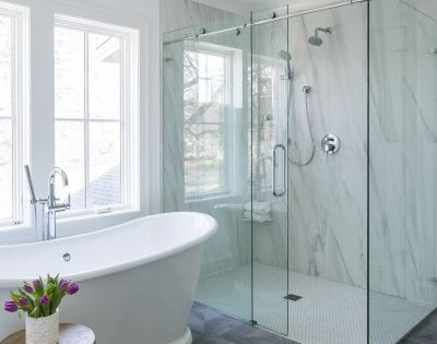 Master Bathroom Idea With Deep Soaker Tub And Corner