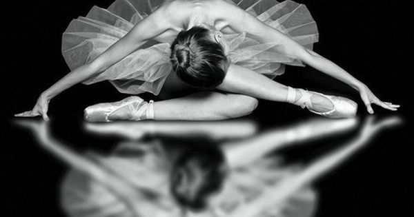 Black and white dance photography simply beautiful!