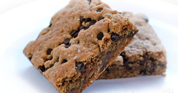 Quinoa Breakfast Brownie Bars glutenfree