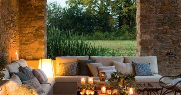 Porche de piedra iluminado por velas dream home - Velas para terrazas ...