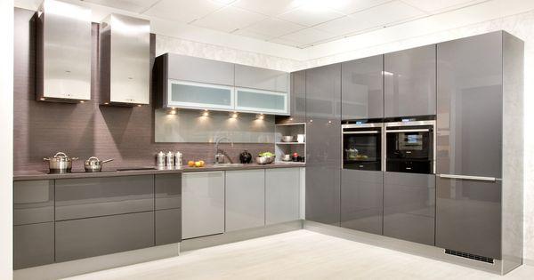Grifflose Küchen Küche griffloseOption 2030 / Nexus 2064