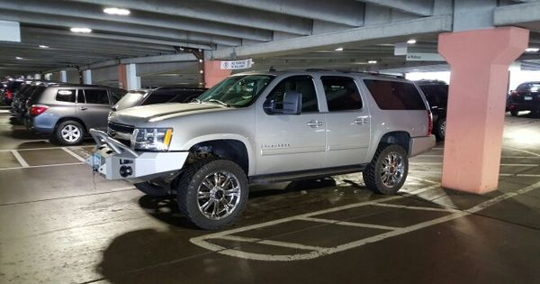 Suburban 2500 With Rancho Lift And 285 55r22 Nitto Tires And Are Wheels Nitto Tire Suburban Suv