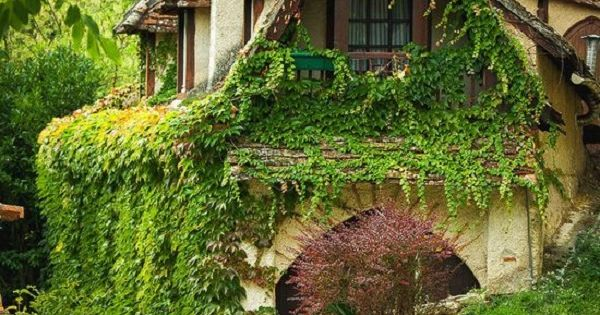 MY DREAM HOUSE!!!! Fairytale Villages in Europe - adding all of these