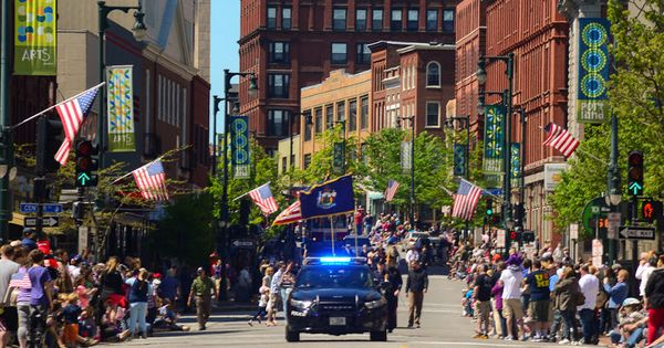 memorial day parades near springfield ma