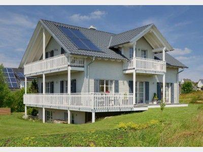Einfamilienhaus mit einliegerwohnung modern  Landhaus Motz-Russ - Einfamilienhaus mit Einliegerwohnung (ELW ...