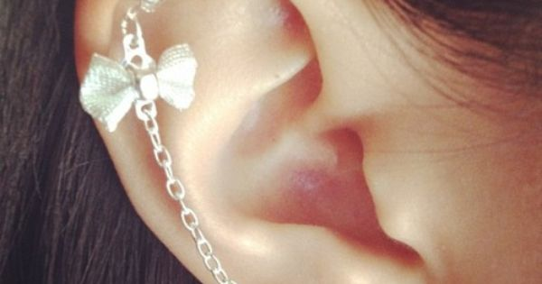 cute cute earring! the only one ive seen like this i like:)
