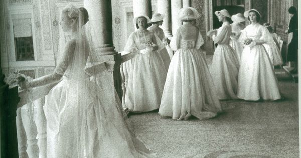 Grace Kelly's Wedding to Prince Rainier III...oh how i love Princess Grace
