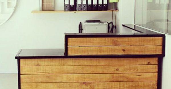 Mostrador de madera a medida y estantes con varilla - Muebles de diseno industrial ...