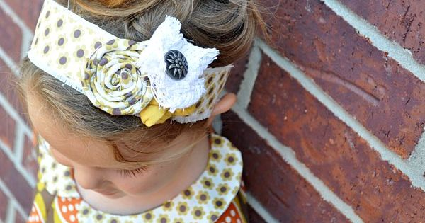 Cute headband with fabrics flowers