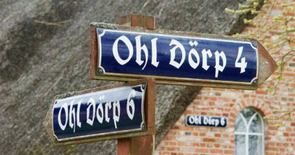 Werner F1 Online M Frisian House In Oevenum Foehr Germany Historic Tombstones On Cemetery Of Nieblum Foehr Germany T Order No Insel Kunst