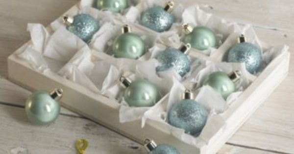 B Q Online Error 404 Page Not Found Christmas Colors Vintage Christmas Decorations White Baubles