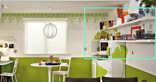 Studio vert avec tag re aux murs d coration et ambiance - Amenagement mezzanine basse ...