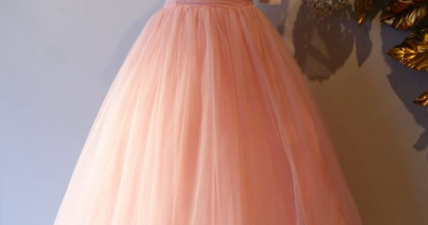 This is exactly Jen Lindley's prom dress and that makes me extremely