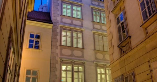 Viennawalks Four Intimate Walking Tours of Viennas Most Historic and Enchanting Neighborhoods