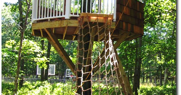A Simple Yet Elegant Azek Treehouse Platform With A Zip