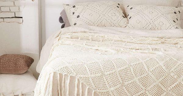 Couvre lit ria plum bow d co pinterest chambres linge maison et coussin lin for Caravane chambre 19 linge maison