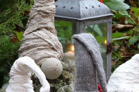wichtel aus beton diy weihnachtsdekoration wichtel aus beton diy garten pinterest diy. Black Bedroom Furniture Sets. Home Design Ideas