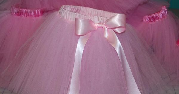 This is the tutu skirt tutorial that I have been looking for.