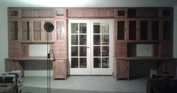 Hele speciale maatwerkopdracht teakwand van 585cm breed met bureaus met de doorgang naar de - Muur hutch ...