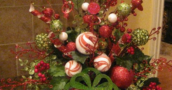 This woman's blog spot is all about holiday decoration. Mesh wreath tutorials,